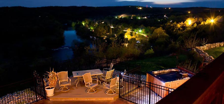 Gers Bluff Bed Breakfast Offers Rustic Elegant Accommodations With Magnificent Viewodern Amenities